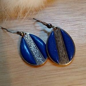 Sterling and Lapis blie earrings